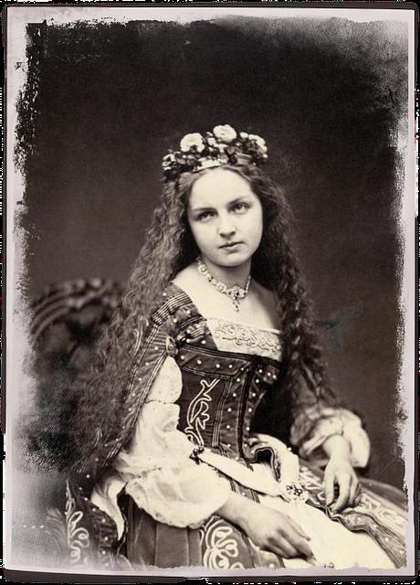 Vintage photograph of girl